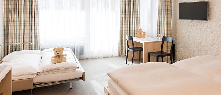Switzerland_St-Moritz_Hotel-Hauser_Family-bedroom.jpg